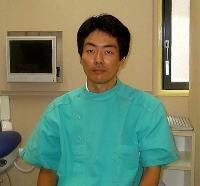 【院 長】 樋口 均也 口腔外科総合研究所